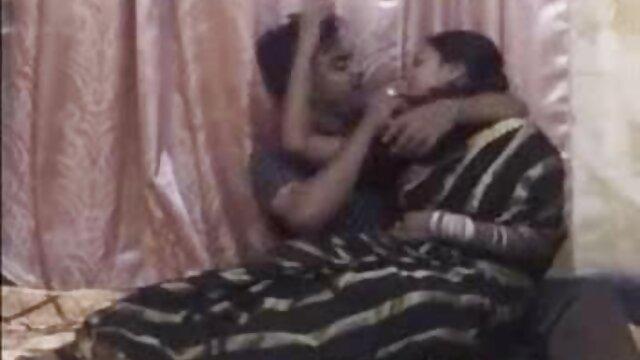 সুন্দরি বাংলা ভাবি sex সেক্সি মহিলার, মা,