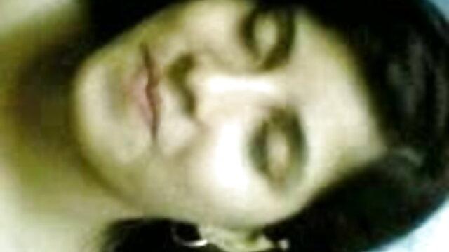 18 বছর বয়সী বাংলা মাগি xxx স্বর্ণকেশী আছে হস্তমৈথুন