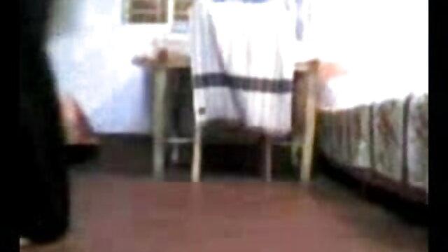 ক্লাবের লোক xxx video বাংলা ফিরে এসেছে.