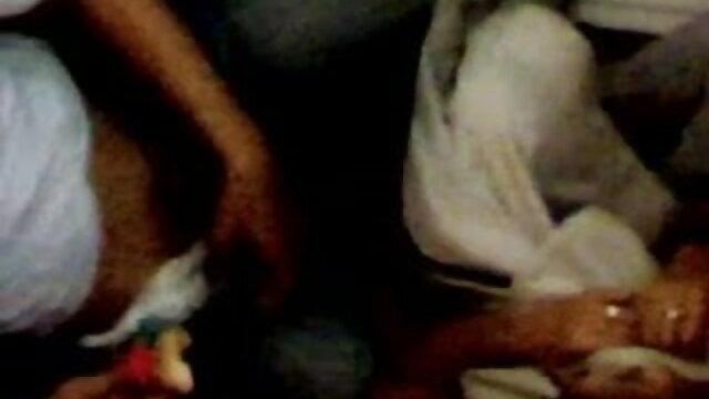 ডগী-স্টাইল বাংলা sxx কালো মেয়ের