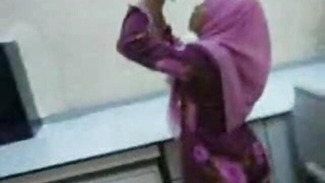 রাশিয়ান বাড়ীতে www xnxx con বাংলা তৈরি বাঁড়ার রস খাবার ভদ্রমহিলা