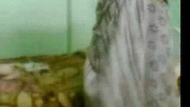 বাড়ীতে তৈরি xnxx video বাংলা