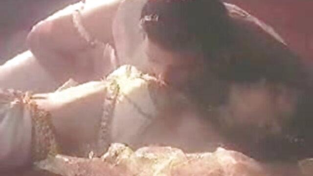 তিনে মিলে, সুন্দরি সেক্সি বাংলা গান sex মহিলার