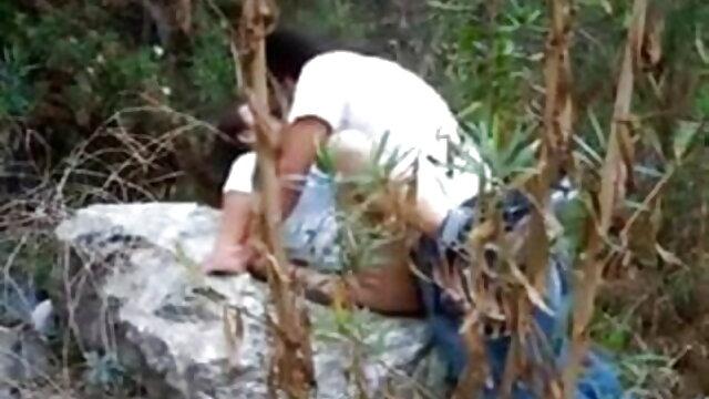 স্বামী, পিতা, অল্প বয়সী ছেলেমেয়েদের জন্য বাংলা video sex একটি সেক্স পাঠ অনুষ্ঠিত