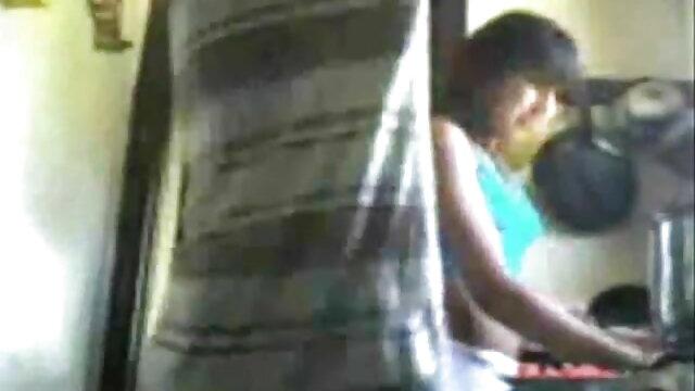 বাদামি মেয়ের বড়ো বাংলা sax video বুকের মেয়ের