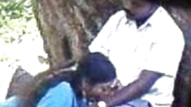 পালঙ্ক বাংলা sex porn উপর ছাত্রদের সঙ্গে রাশিয়ান চাপ.