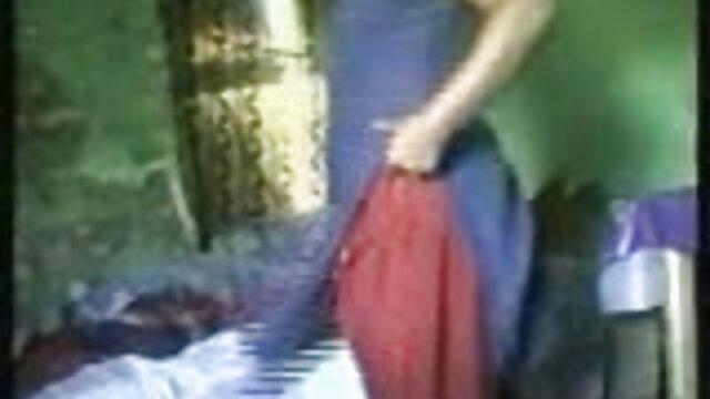 মেয়ে পরিষ্কার করার সময় স্তন মনে করা বাংলা video xxx হয়