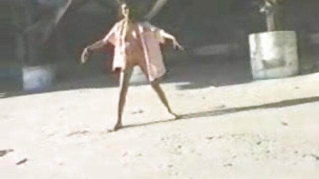 লাভলেস আলেপ্পো 7 ছোট xxx videos বাংলা আকারের ইস্যু হোয়াইট পালঙ্ক উপর অশ্বচালনা লিলি জমিন আলেপ্পো হল ঢালা
